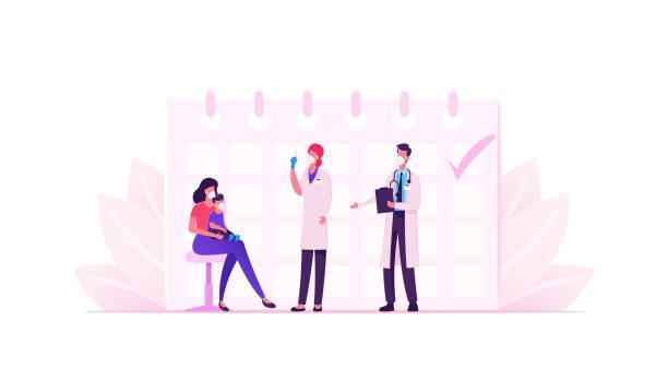 illustrations, cliparts, dessins animés et icônes de la jeune mère dans le masque amènent le petit bébé à l'hôpital pour la procédure de vaccination et de vaccination. docteur personnages shooting vaccine covid19 pour les soins de santé immunité. dessin animé people vector illustration - vaccin enfant