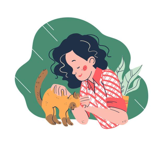 illustrations, cliparts, dessins animés et icônes de jeune fille de sourire et son portrait pelucheux mignon de chat d'isolement sur le fond blanc. - femme seule s'enlacer