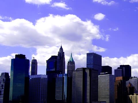 new york skyline 01a pal - 10 saniyeden daha kısa stok videoları ve detay görüntü çekimi