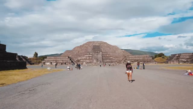 HIPERLAPSE OF THE PIRAMIRDES OF TEOTIHUACAN
