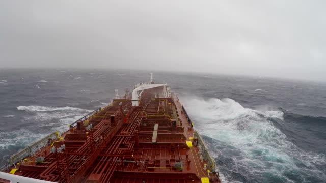 storm tempo - nave cisterna video stock e b–roll