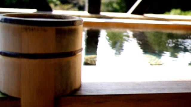 日本の温泉 - 스파 온천 스톡 비디오 및 b-롤 화면