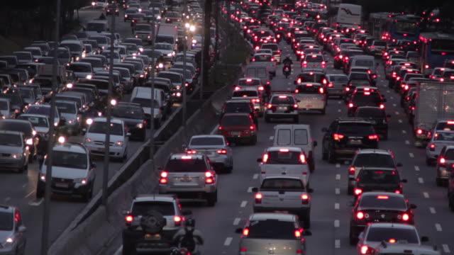 traffic sao paulo - 渋滞点の映像素材/bロール