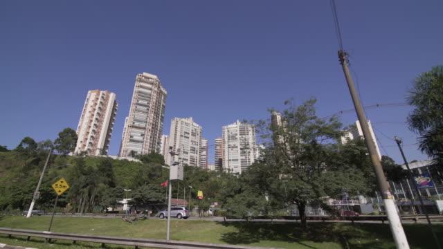 CARS IN MARGINAL PINHEIROS - SAO PAULO Drive Plate of Sao Paulo financial area. marginal pinheiros stock videos & royalty-free footage