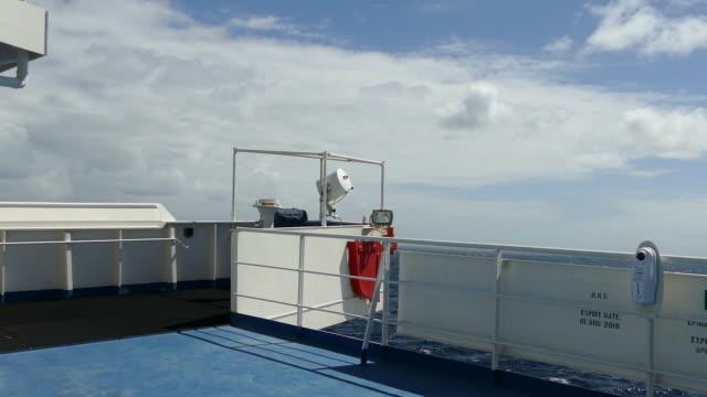 ship rolling - parapetto barriera video stock e b–roll