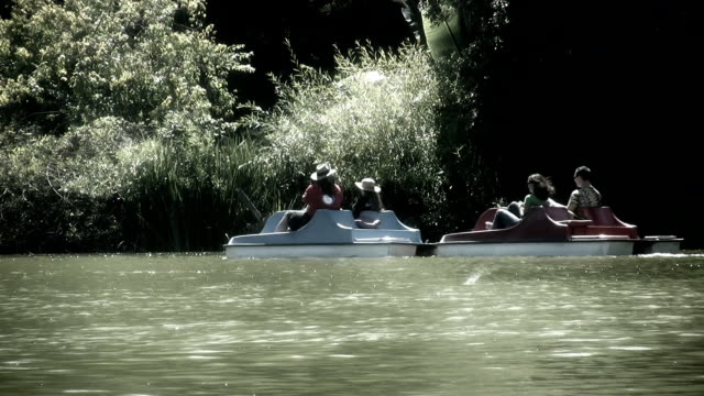 PADDLE BOAT  (HD) video
