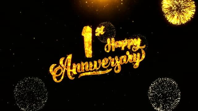 vídeos de stock, filmes e b-roll de 01 feliz aniversário texto saudação e desejos cartão feito de glitter partículas de ouro artifício no fundo de preto à noite em movimento. para a celebração, festa, cartão, cartão de convite. - data especial