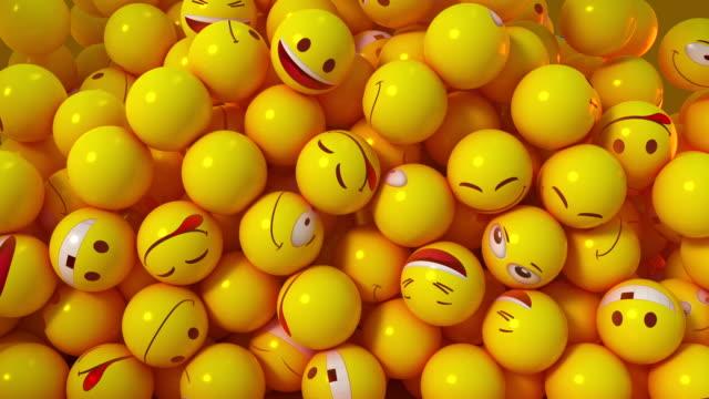 3d emoticon smiley gesichter pile-up - smiley stock-videos und b-roll-filmmaterial
