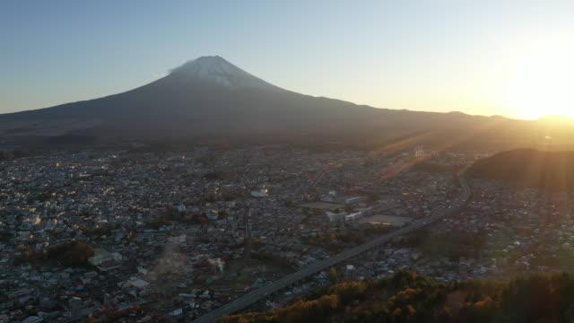 4k空中映像 富士山の夕焼け - 仏塔点の映像素材/bロール
