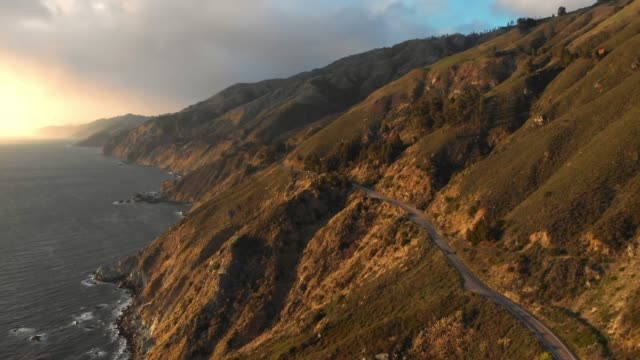 vídeos de stock e filmes b-roll de 4k aerial video - big sur coastline california - big sur