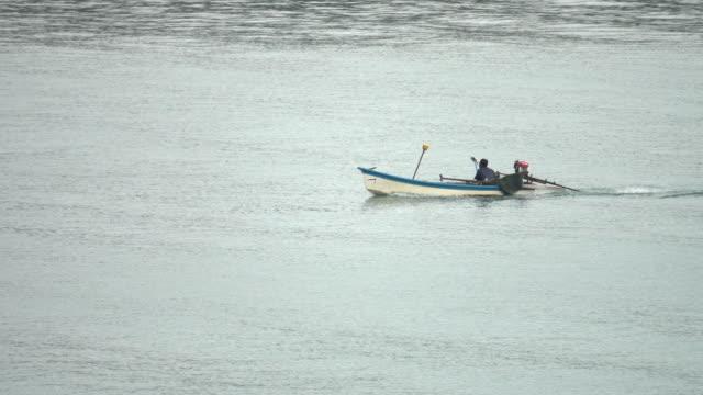 4k: boat on lake video