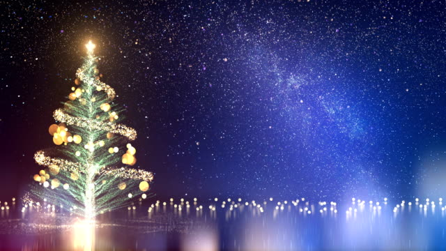 vídeos de stock e filmes b-roll de 4k christmas tree and milky way - loop - christmas card