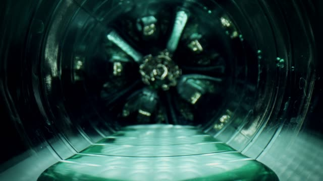 vídeos de stock e filmes b-roll de 4k close-up zoom out a water plastic bottle - going inside eye