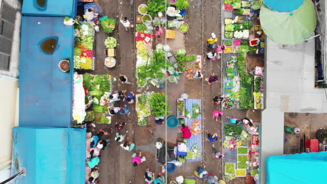 4k, dolly shot raw food stall market in the city.