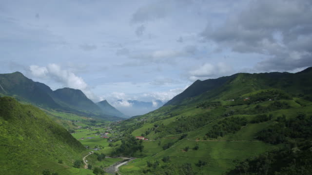 4k dolly shot, Time-lapse of step rice paddy and cloudy in Sapa Vietnam. video