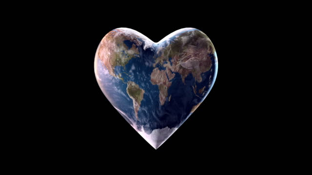 4k hjärtformade jorden (svart bakgrund) - slinga - recycling heart bildbanksvideor och videomaterial från bakom kulisserna