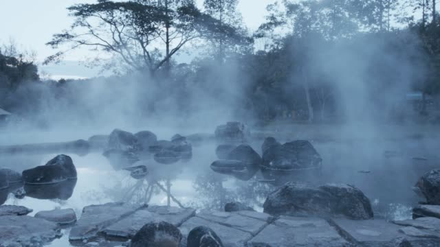 4k , Hot spring water in early morning видео