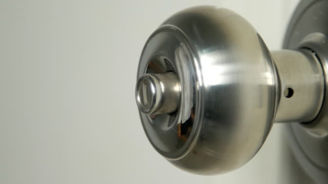4k of Torque door knob to lock video