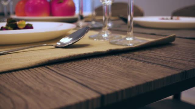 tiro de Pan 4 k de mesa de jantar - vídeo
