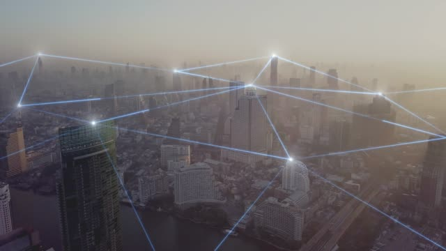 空中ビューシティと4k 解像度のネットワーク接続コンセプト - ネットワーク点の映像素材/bロール