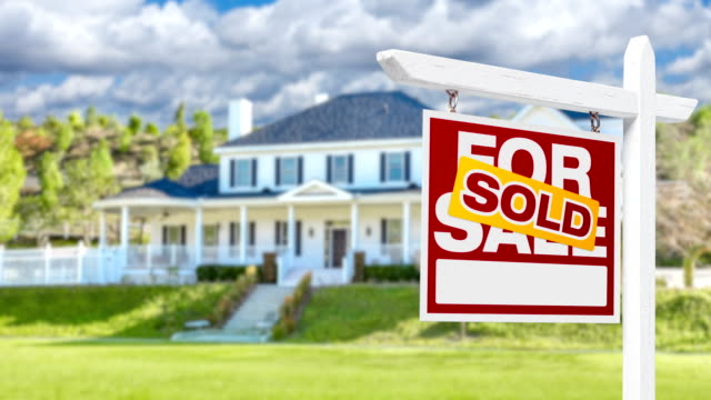 4k Slow Pan and Zoom Out of Beautiful Custom Home and Sold For Sale Real Estate Sign 4k Slow Pan and Zoom Out of Beautiful Custom Home and Sold For Sale Real Estate Sign. dormir stock videos & royalty-free footage