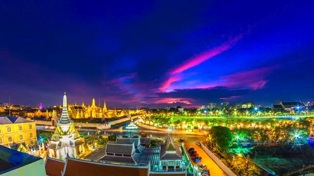 4k, Time lapse landmark of Bangkok Wat Phra Kaeo or Temple of the Emerald Buddha in Bangkok City, Thailand 4k, Time lapse landmark of Bangkok Wat Phra Kaeo or Temple of the Emerald Buddha in Bangkok City, Thailand sukhothai stock videos & royalty-free footage