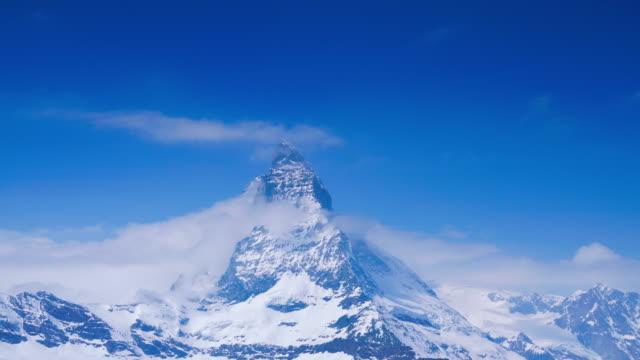 stockvideo's en b-roll-footage met 4k time lapse matterhorn, zermatt, zwitserland - matterhorn