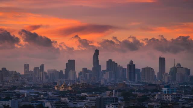4 k zaman atlamalı, gündoğumu bangkok, tayland - bangkok stok videoları ve detay görüntü çekimi
