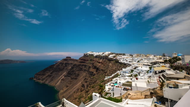4k timelapes : village of fira in santorini island, greece - fire filmów i materiałów b-roll