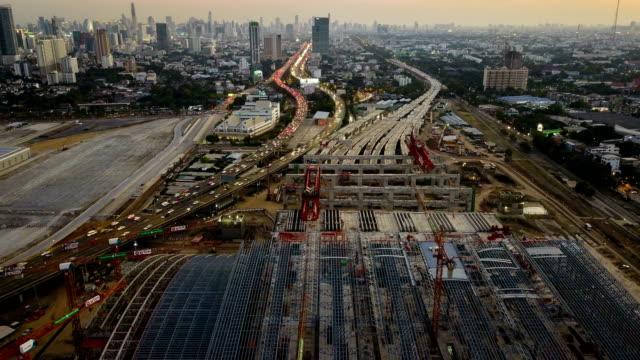 stockvideo's en b-roll-footage met 4k time-lapse: luchtfoto van werken van de bouwplaats - oost azië