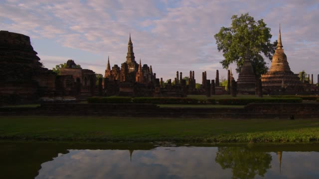 4k timelapse and dolly, Wat Mahathat Temple in sukhothai historical park in Thailand. video