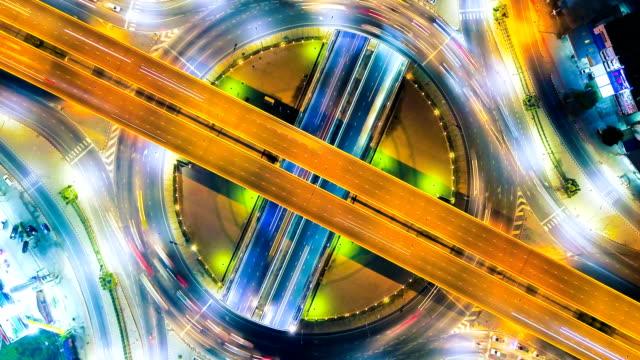 4 k zeitraffer oder hyperlapse der autobahn-verkehr in bangkok thailand, luftbild - straßenkreuzung videos stock-videos und b-roll-filmmaterial