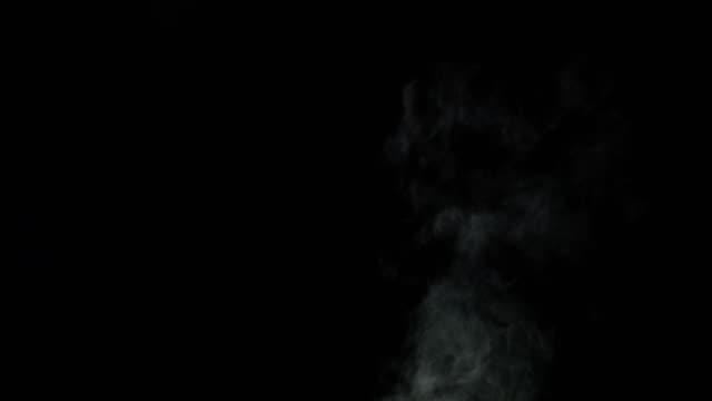 煙のような白い雲の 4 k 映像 - 蒸気点の映像素材/bロール