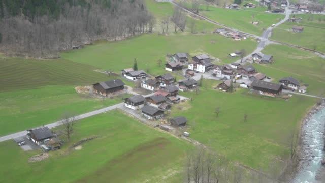 4k vy över lauterbrunnen, schweiz - wengen bildbanksvideor och videomaterial från bakom kulisserna