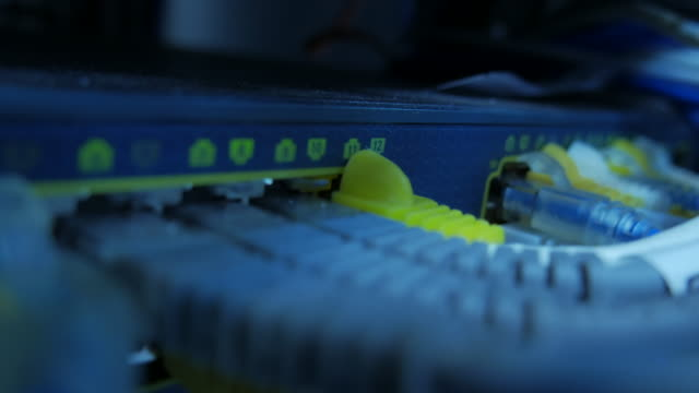 4K:Close-up:Main network switching Transmit Data
