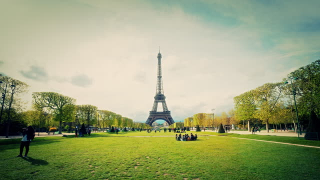 4k:eiffel tower - paris fashion stock videos and b-roll footage