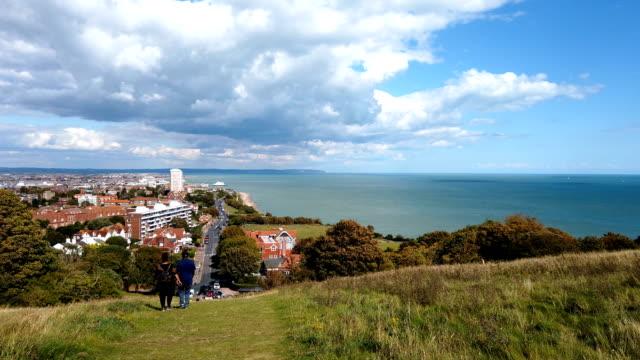 4k:vista panoramica di eastbourne ** time lapse ** - inghilterra sud orientale video stock e b–roll