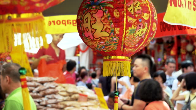 4K:People shopping in the market on chinese new year eve. video