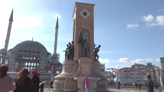 4K:Republic Monument Taksim Square Istanbul Republic Monument Taksim Square Istanbul istanbul stock videos & royalty-free footage