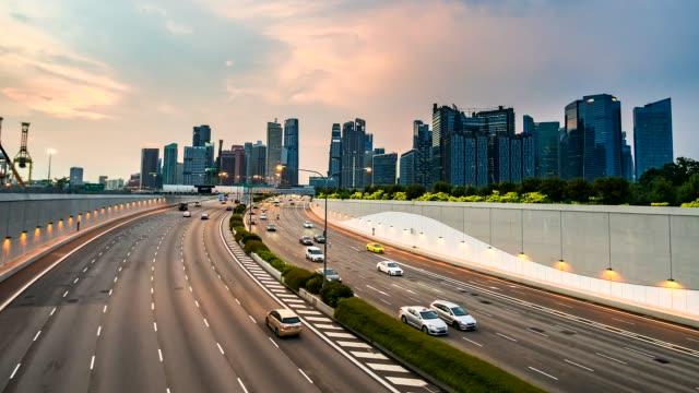 4K. Tijd lapse verkeer op de weg bij Singapore city video