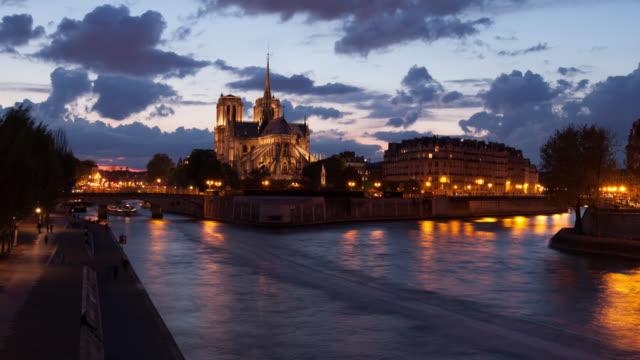 4K:Timelapse Notre Dame Cathedral at dusk in Paris, France video
