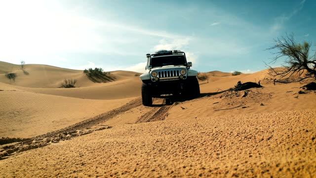 a car in the sahara desert - passenger craft stock videos & royalty-free footage