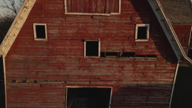 Abandoned Barn drone shot in Wisconsin
