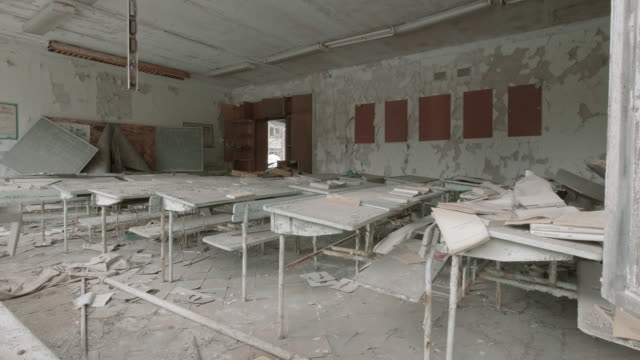放棄された教室 - 残骸点の映像素材/bロール