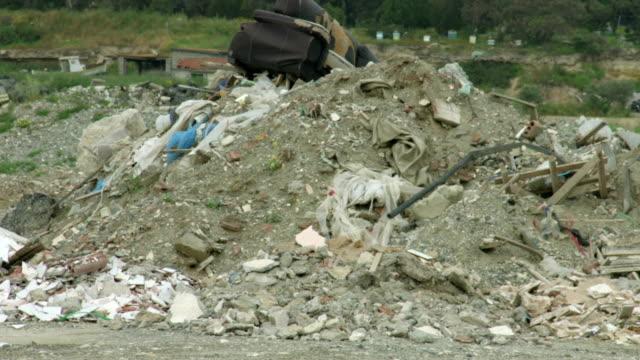 övergivet avfall insättning. miljöföroreningar problem. naturvård - indiska oceanen bildbanksvideor och videomaterial från bakom kulisserna