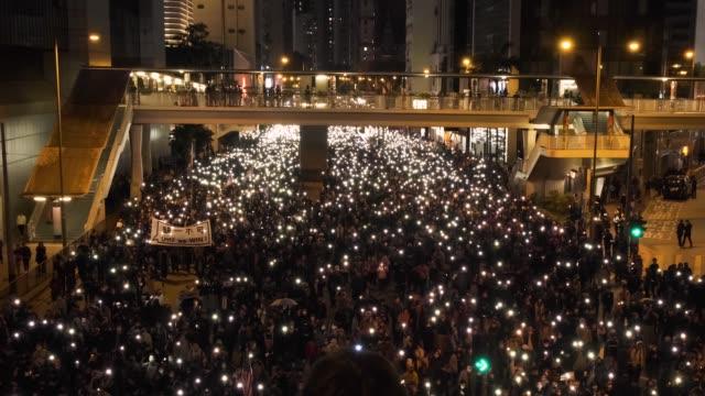 vídeos de stock e filmes b-roll de hong kong - december 8, 2019: about a million attend hong kong demonstration against controversial extradition law. - setembro