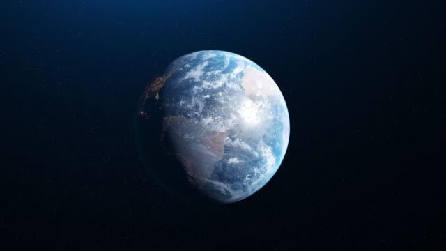 stockvideo's en b-roll-footage met abstracte animatie van mooie rotatie van de aarde van de planeet in ruimte. animatie. volledige revolutie van de planeet rond zijn as - perzische golfstaten