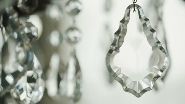 abstract beautiful backgrounds objects chandelier crystal glass shaking moving slowly - avize aydınlatma ürünleri stok videoları ve detay görüntü çekimi