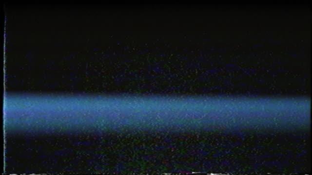 soyut dijital animasyon. eski tv. glitch hatası video hasarı - fotoğraf efektleri stok videoları ve detay görüntü çekimi