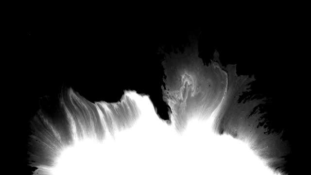 抽象墨水飛濺在螢幕上傳播 - 四k 解析度 個影片檔及 b 捲影像